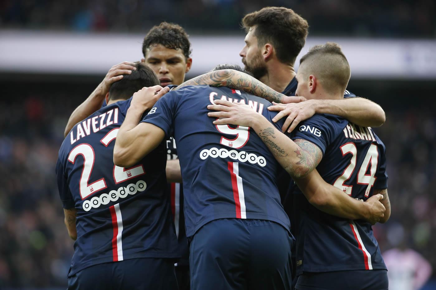 Espadas en alto en la Ligue 1