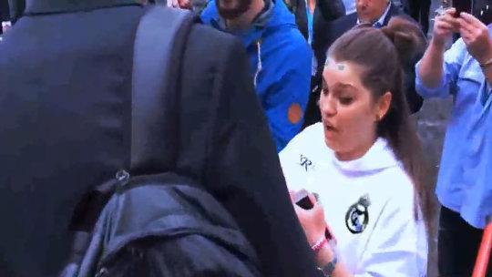 Cristiano Ronaldo desata la locura de una fan en Turín