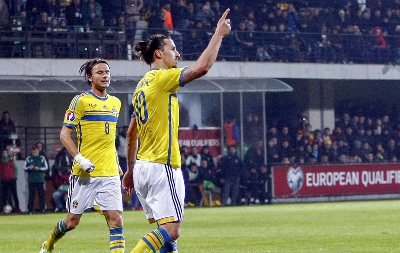 Ibrahimovic marcó curioso gol y dio triunfo a Suecia