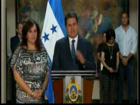Presidente Hernández desmiente golpe de estado