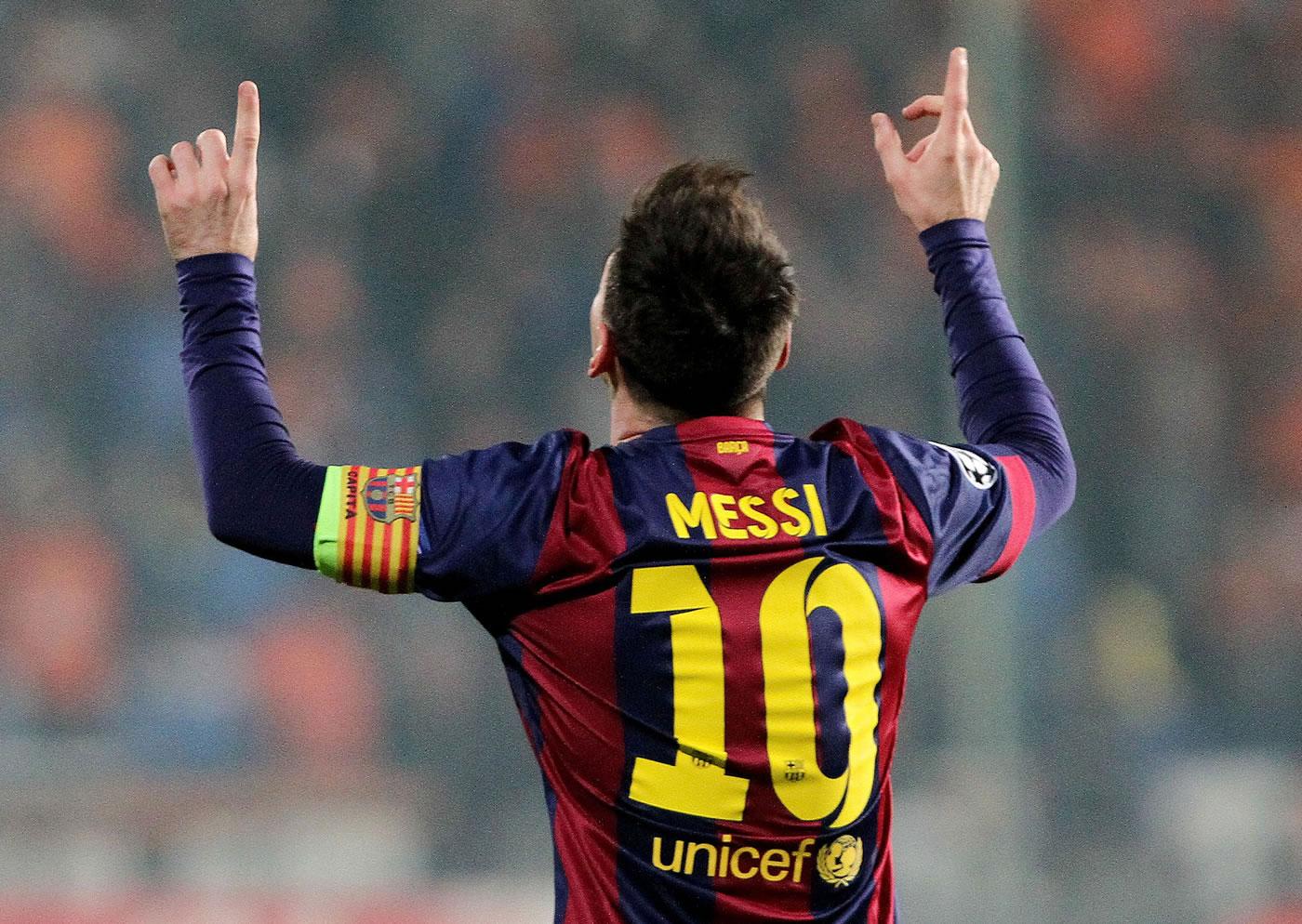 Messi, nuevo triplete y récord histórico