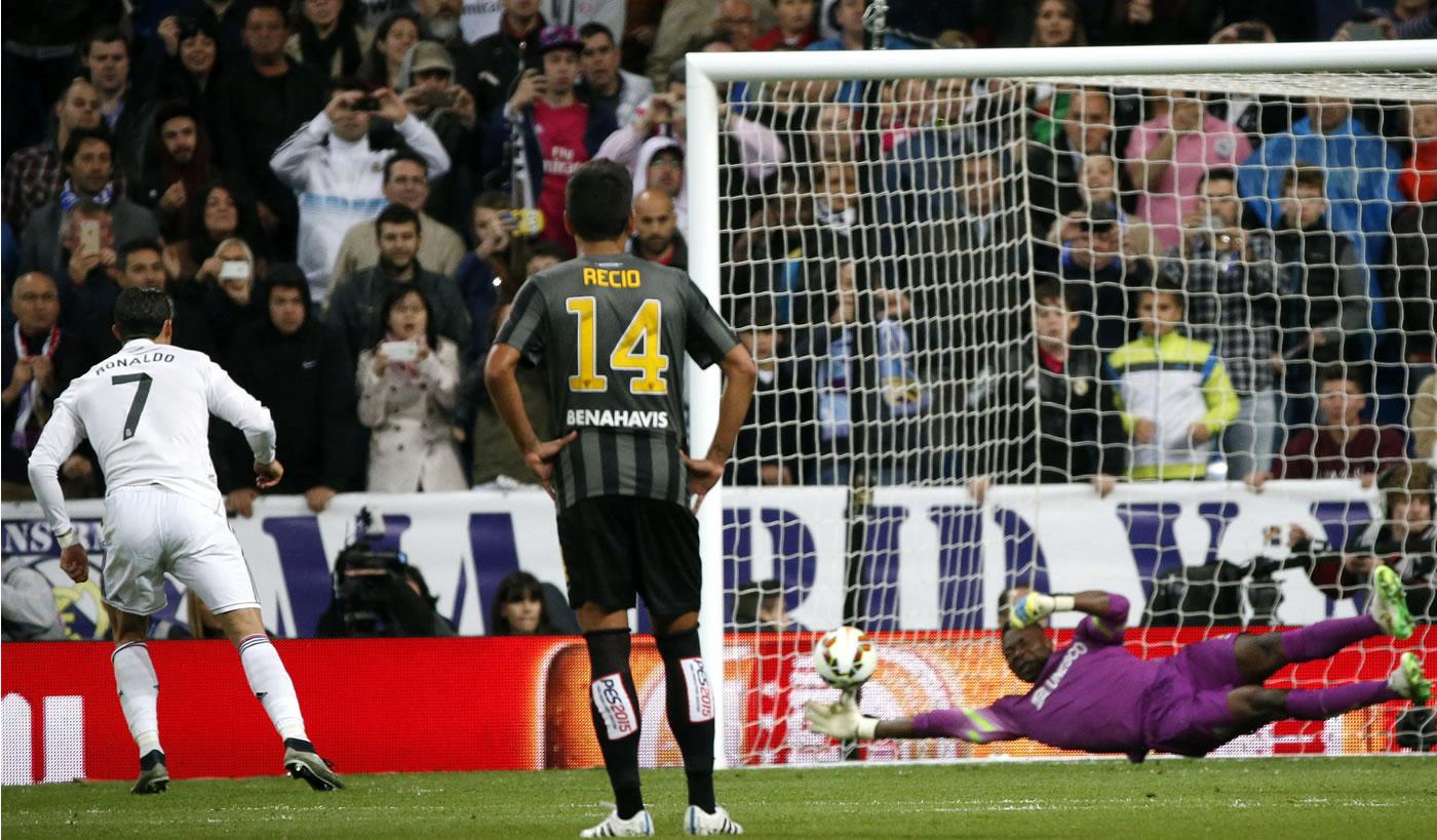 Cristiano Ronaldo falla penal ante el Málaga